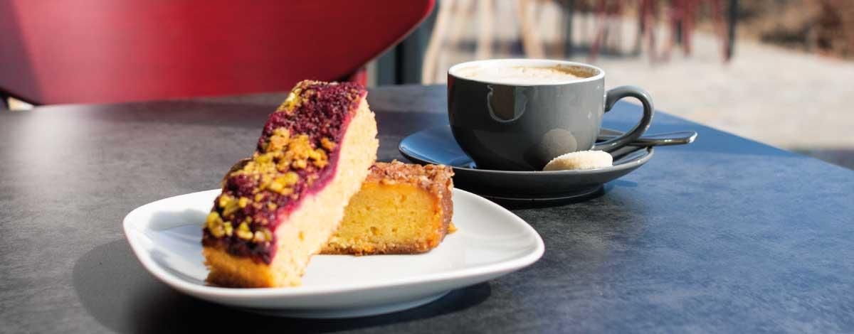 Coffee & cake - Alder Vineyard
